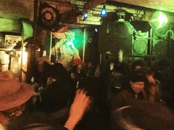 新宿2丁目のクラブ「REGGAE / DUB club OPEN」