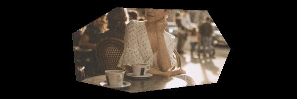 カフェに一緒にいる女性