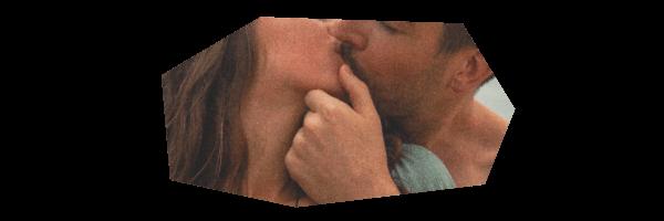 人妻とキス